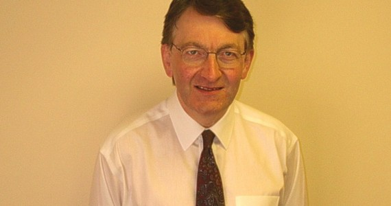 Mr Douglas Robertson